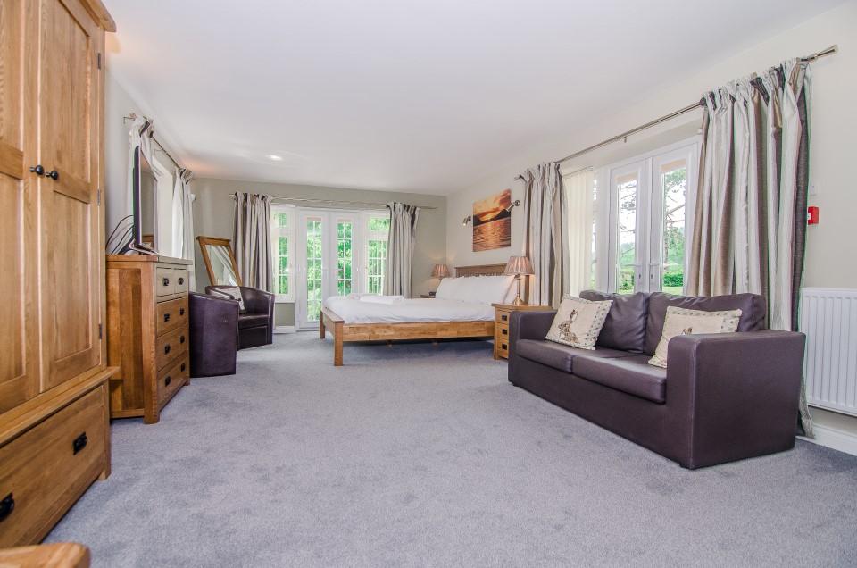 royal lodge room 1